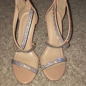 selling my prom shoes!